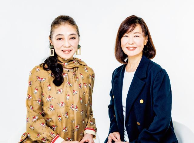 倉田真由美さん(右)、齋藤 薫さん(左)