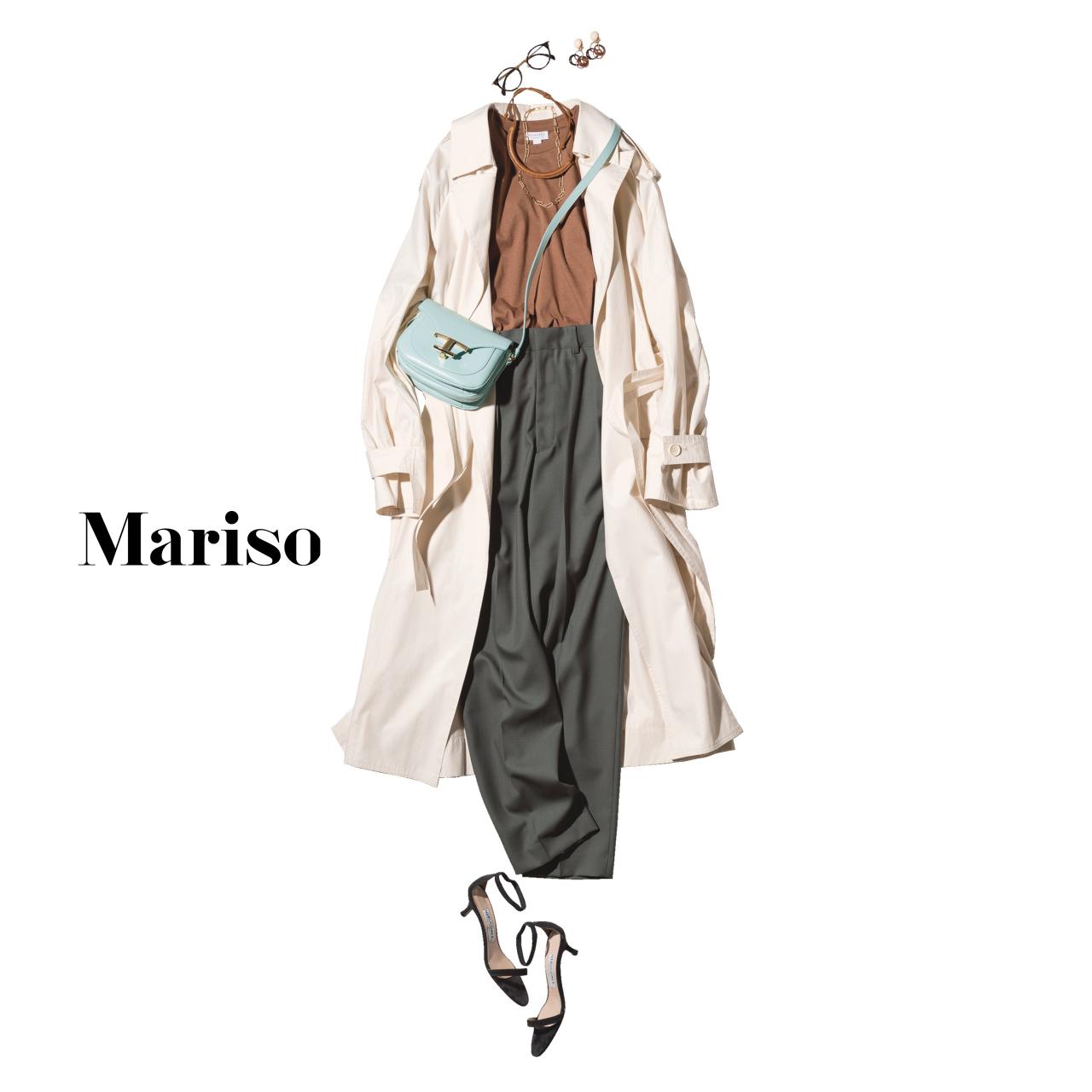 40代ファッション ブラウンTシャツ×カーキパンツ×トレンチコートコーデ