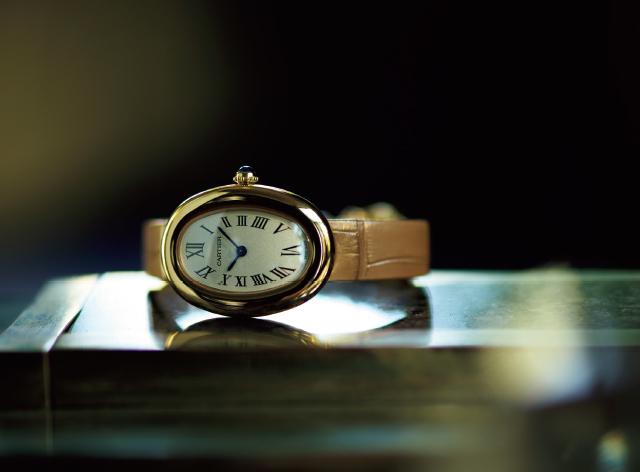 クラシカルな時計のCARTIER 「ベニュワール」