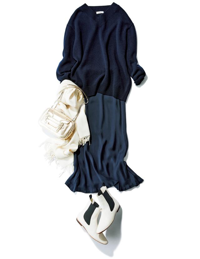 ざっくりニットと落ち感スカートのコーデ