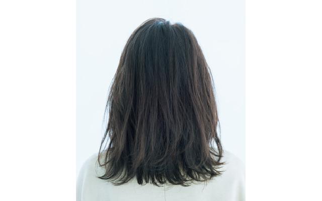リフトアップ効果とおしゃれ感を両立したヘアスタイルのバック