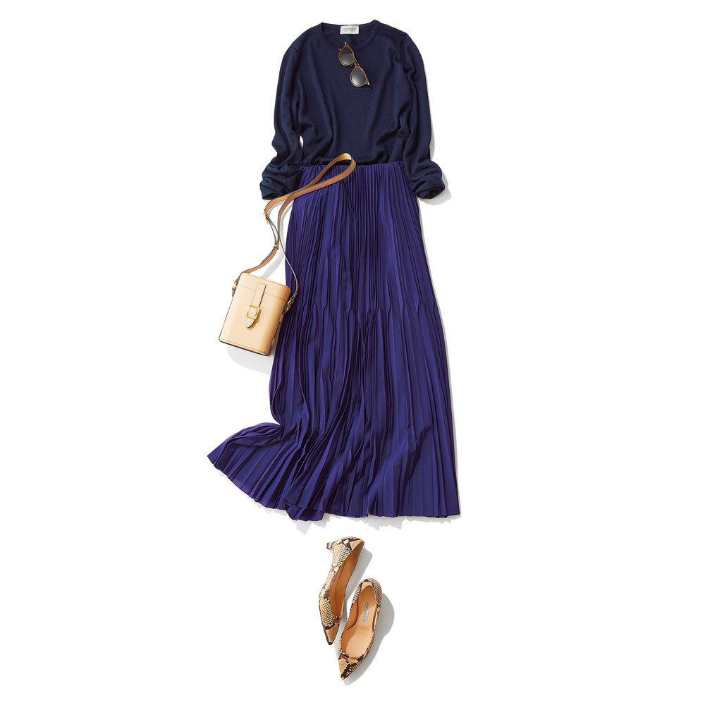ネイビーニット×パープルのプリーツスカートのファッションコーデ