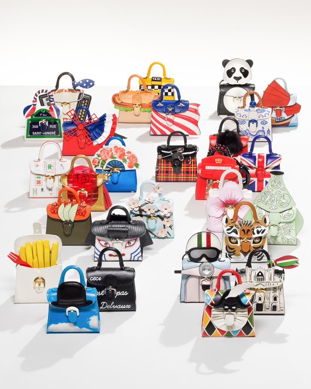 DELVAUX「MINIATURES AROUND THE WORLD」集合