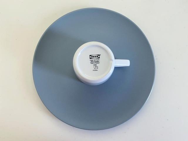 IKEAのお皿とカップ