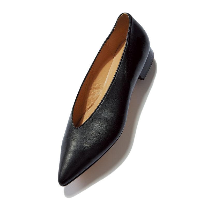 秋らしい素材、 モチーフを選択肢に。とんがりフラット靴9選_1_1-7