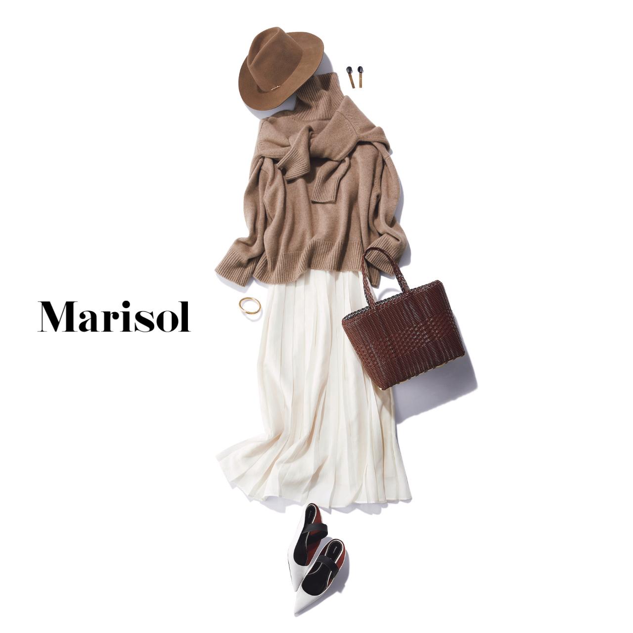 40代ファッション モカベージュニット×白スカートコーデ