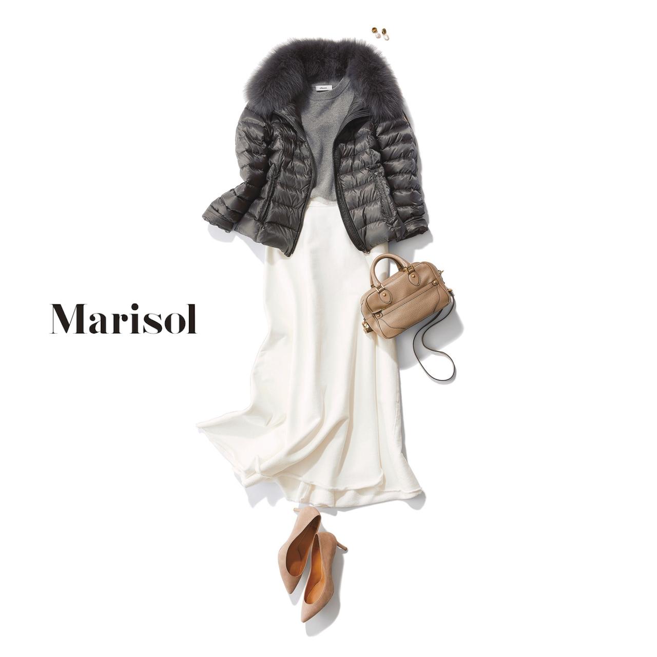 40代ファッション ダウンジャケット×ロングフレアワンピースコーデ