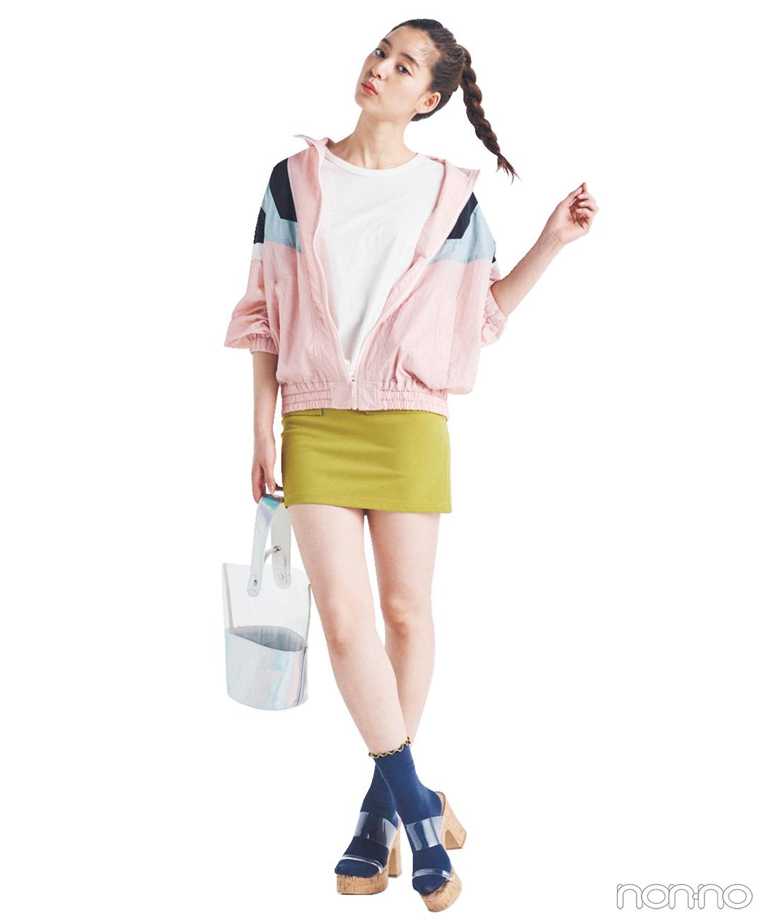 新木優子はマンパ+ミニスカートコーデでポップな夏ガール!【毎日コーデ】
