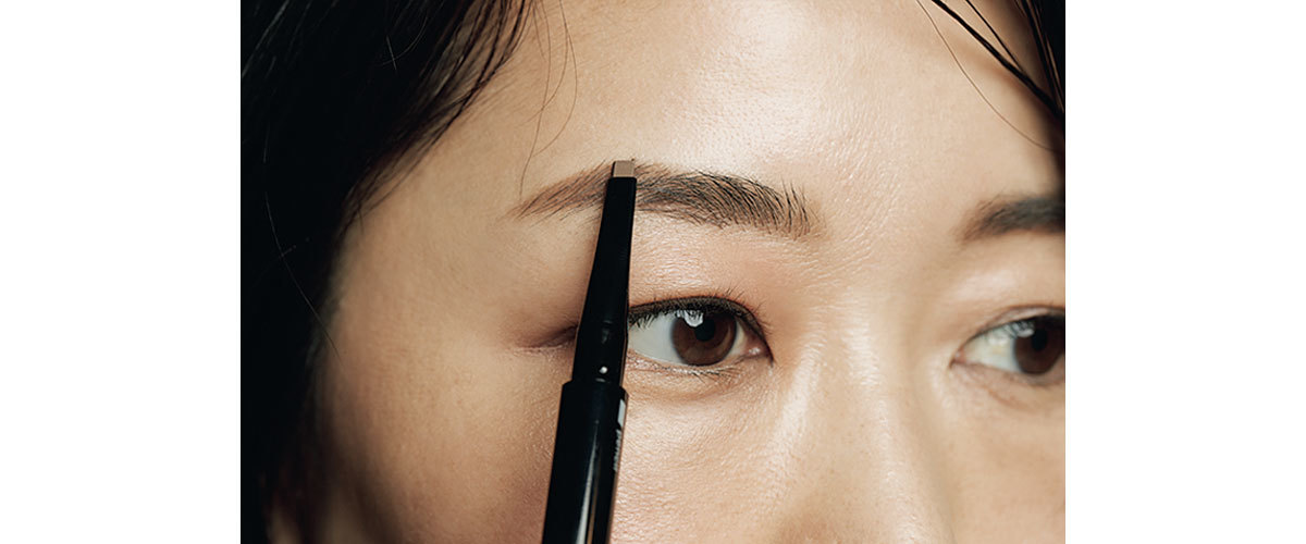 ■HOW TO MAKE 1:眉毛のない部分はペンシルで増量