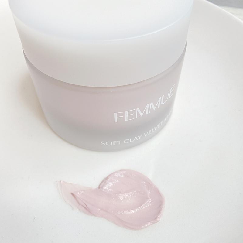FEMMUEのソフトクレイベルベットマスクは毛穴や角質ケアにおすすめのピンクがきれいなクレイマスク