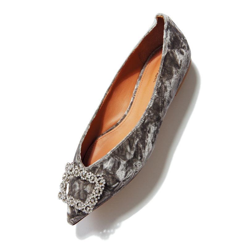 秋らしい素材、 モチーフを選択肢に。とんがりフラット靴9選_1_1-1