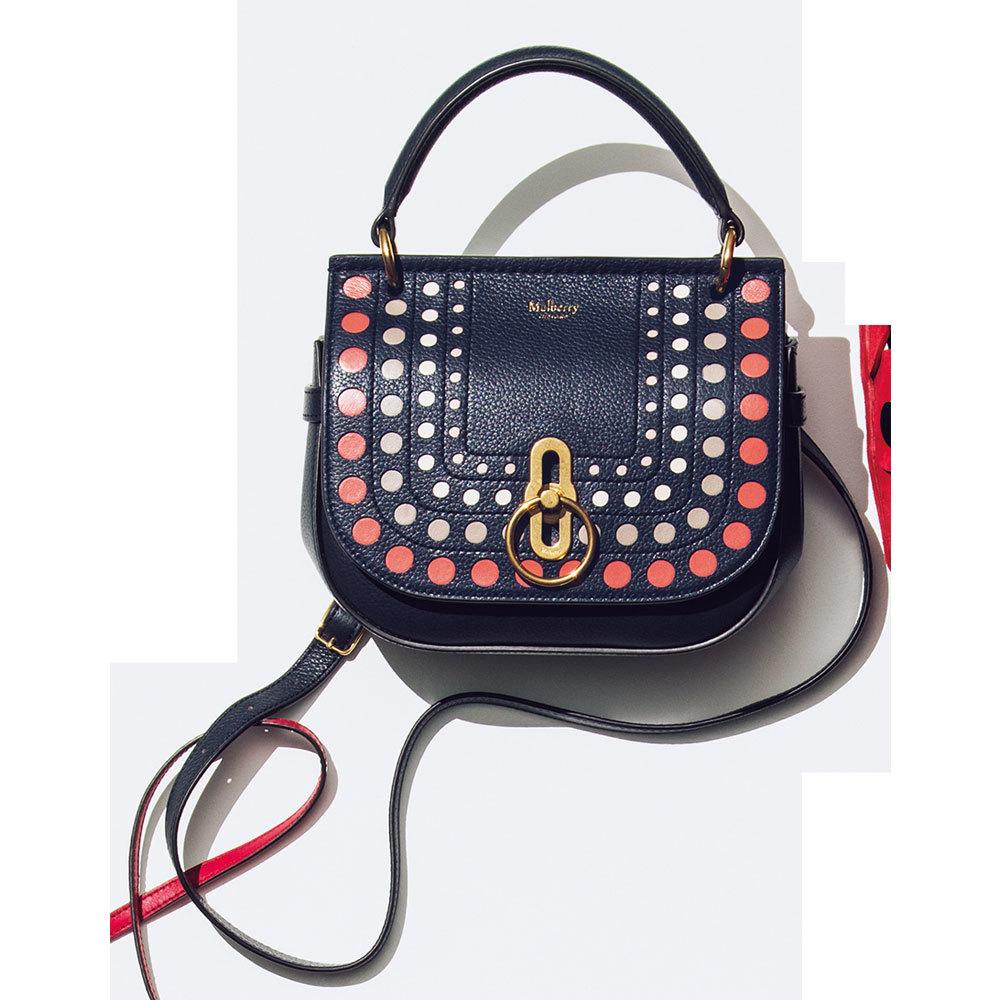 きれいめかつ上質な存在感がカギ「主役級バッグ」をシンプルコーデに取り入れて_1_1-6