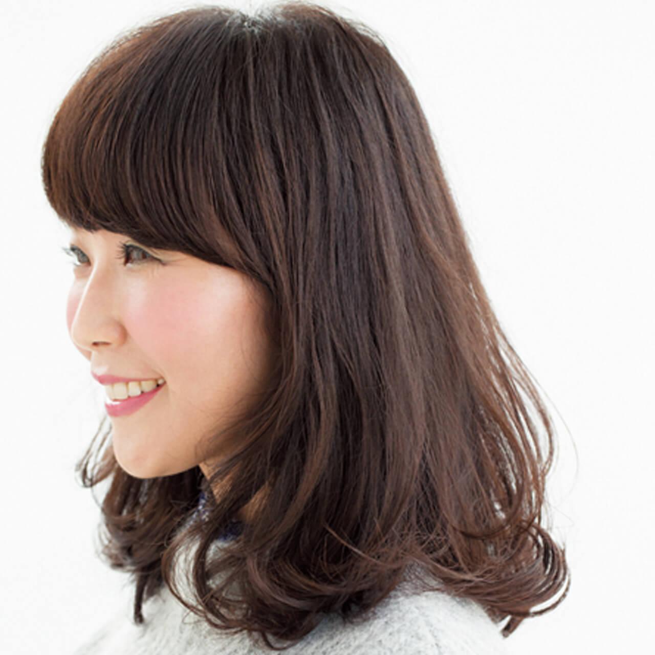 毛先の厚みでボリューミーなツヤ髪を実現【40代のミディアムヘア】_1_2