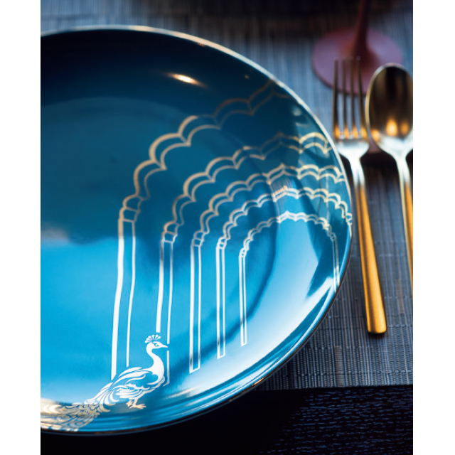 食器類も青碧色がベース