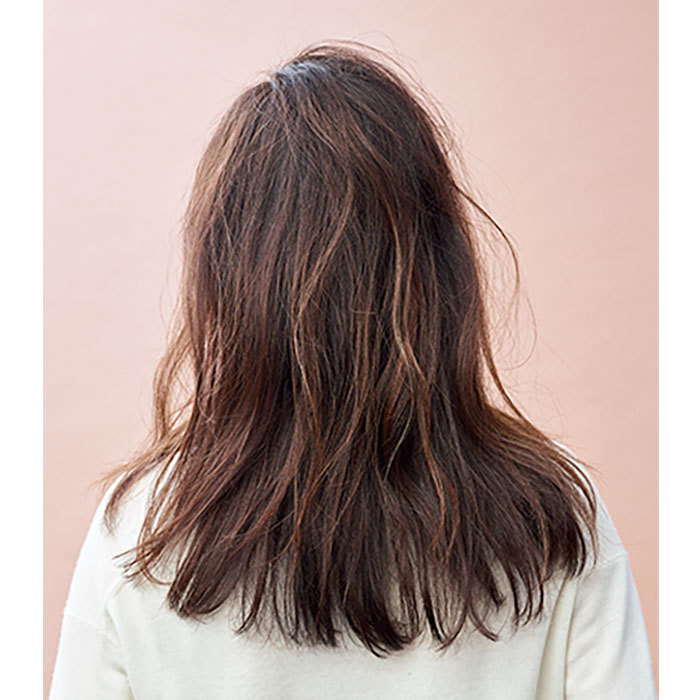 後ろから見た40代人気髪型ロングヘア9位
