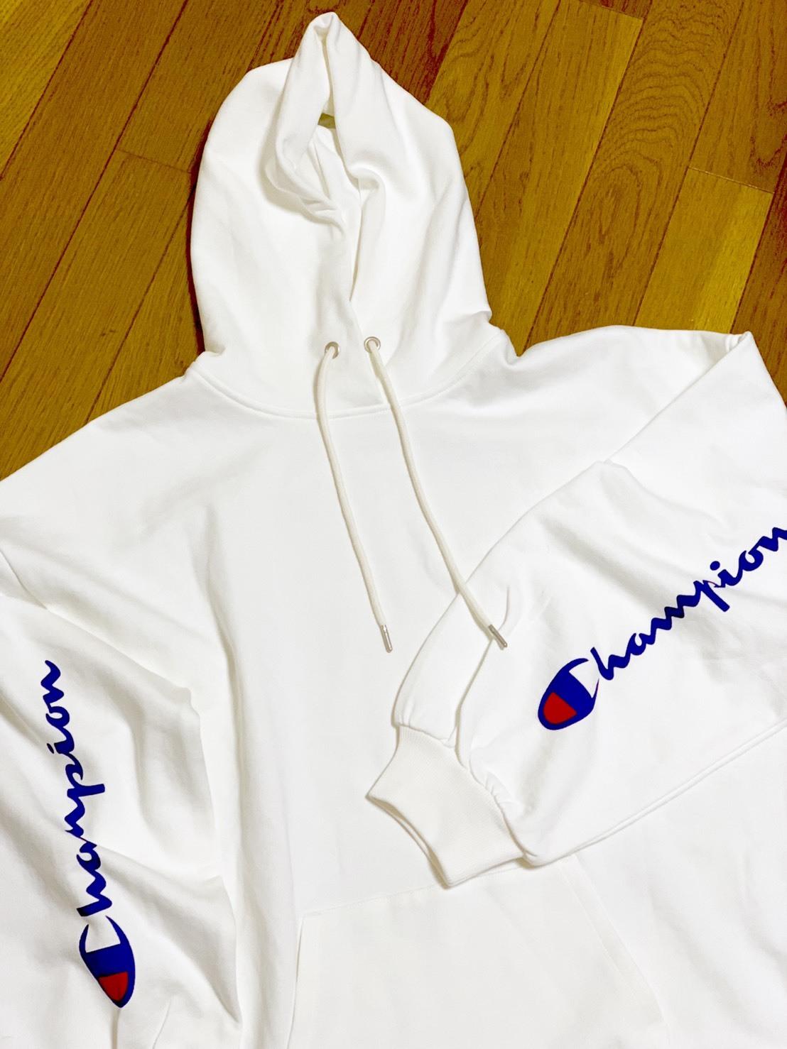 江野沢愛美さんがオススメするChampionの白パーカー買っちゃいました。_1_2