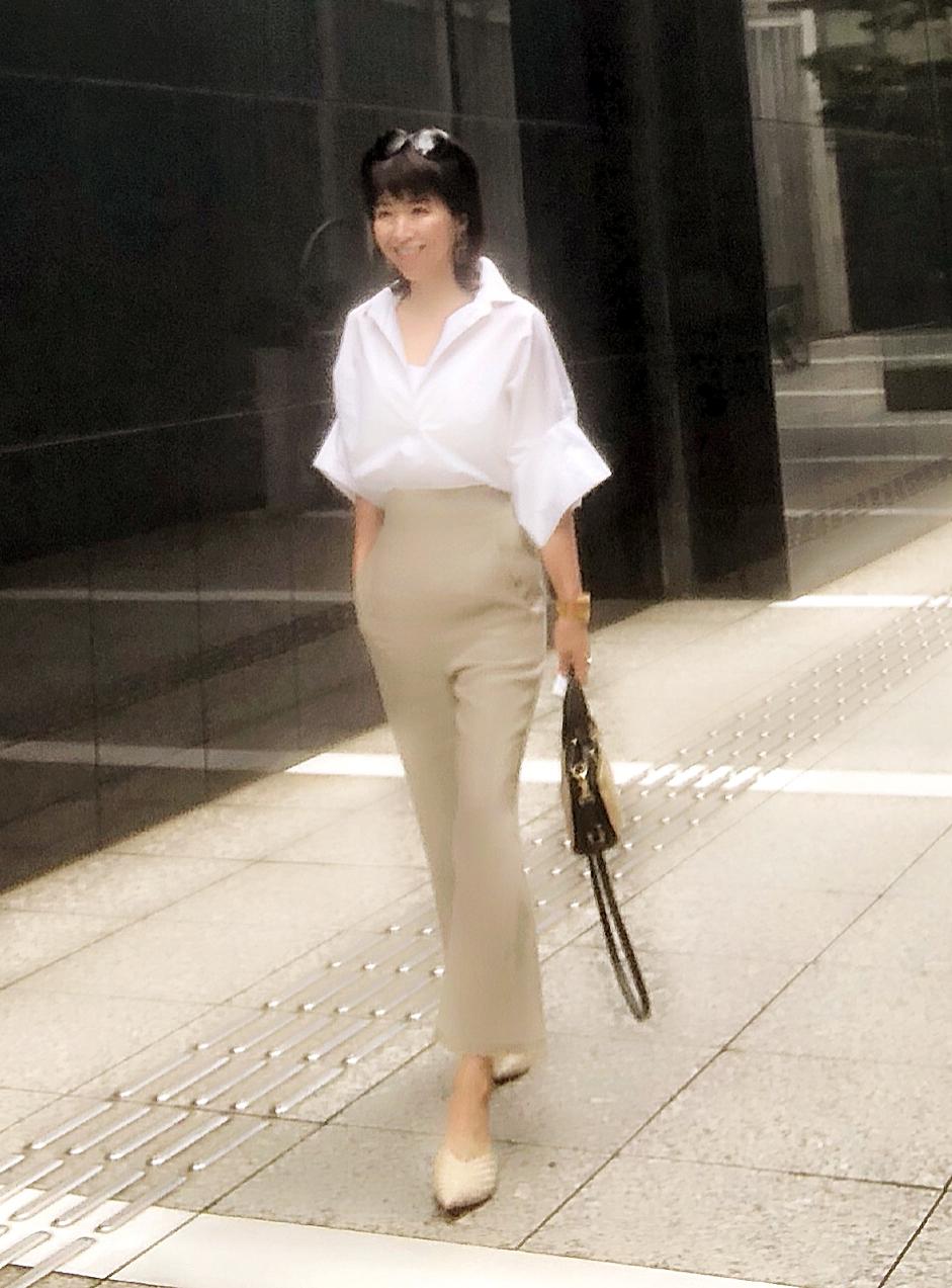 プラージュの白シャツの着こなし_1_2