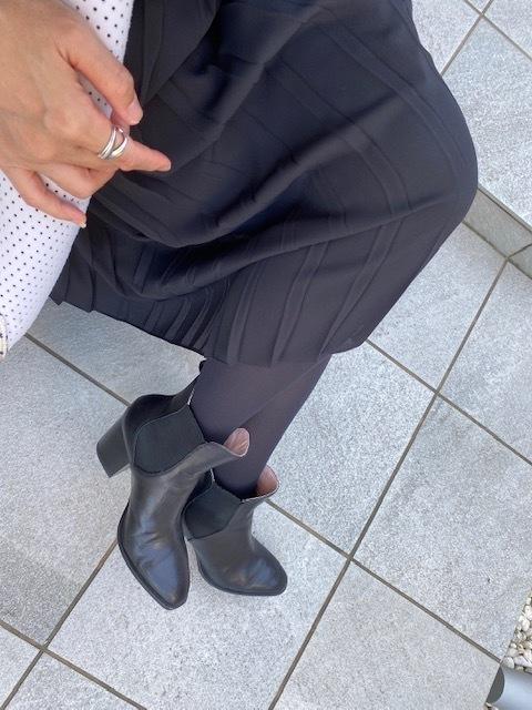 11月号付録「ニュアンスブラック美脚タイツ」コーデ実例!美女組の着こなしまとめ_1_7