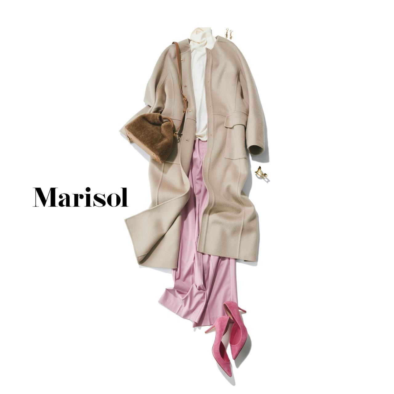 40代ファッション グレージュロングコート×ピンクパンツ×ピンクパンプスコーデ