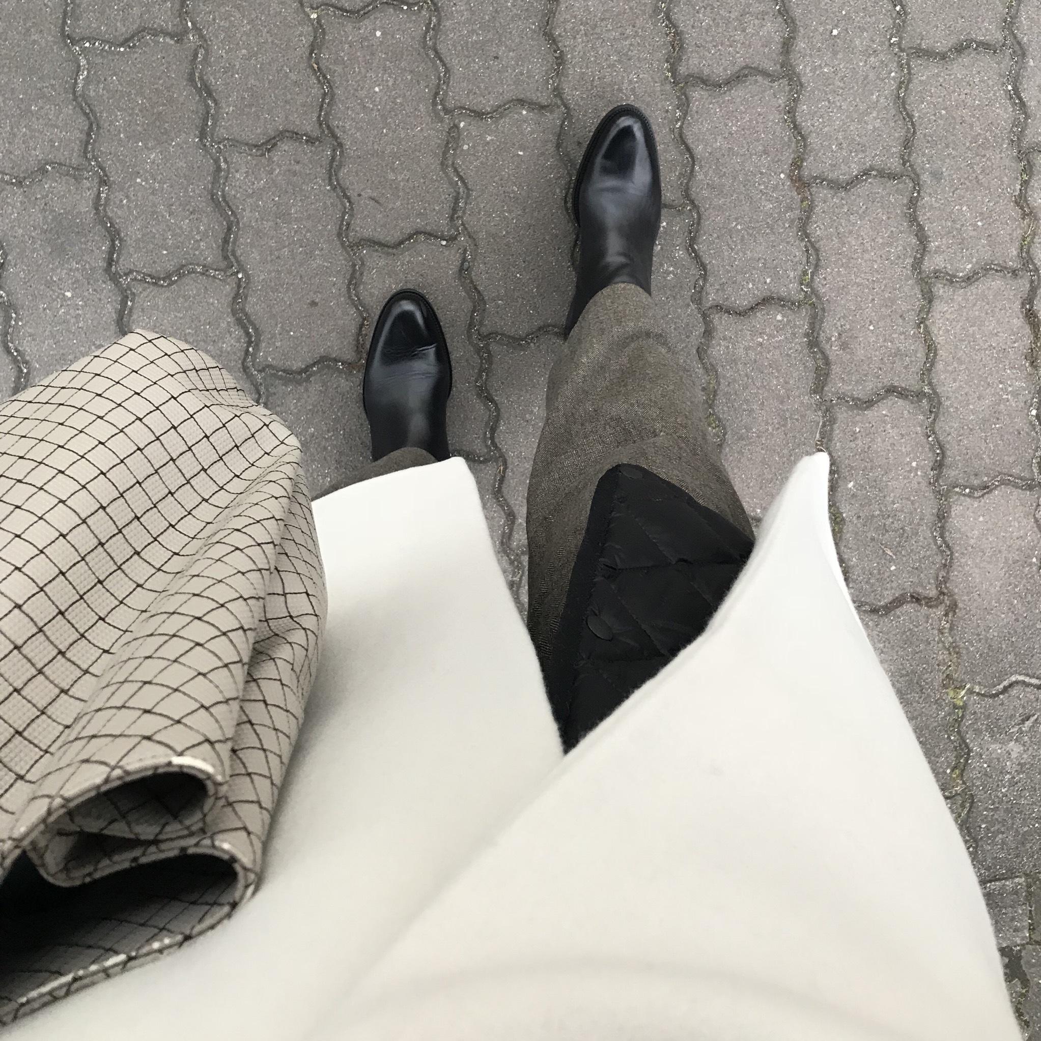 リアル通勤コーデ。少し暖かな金曜日はホワイト×ブラウンで!_1_2