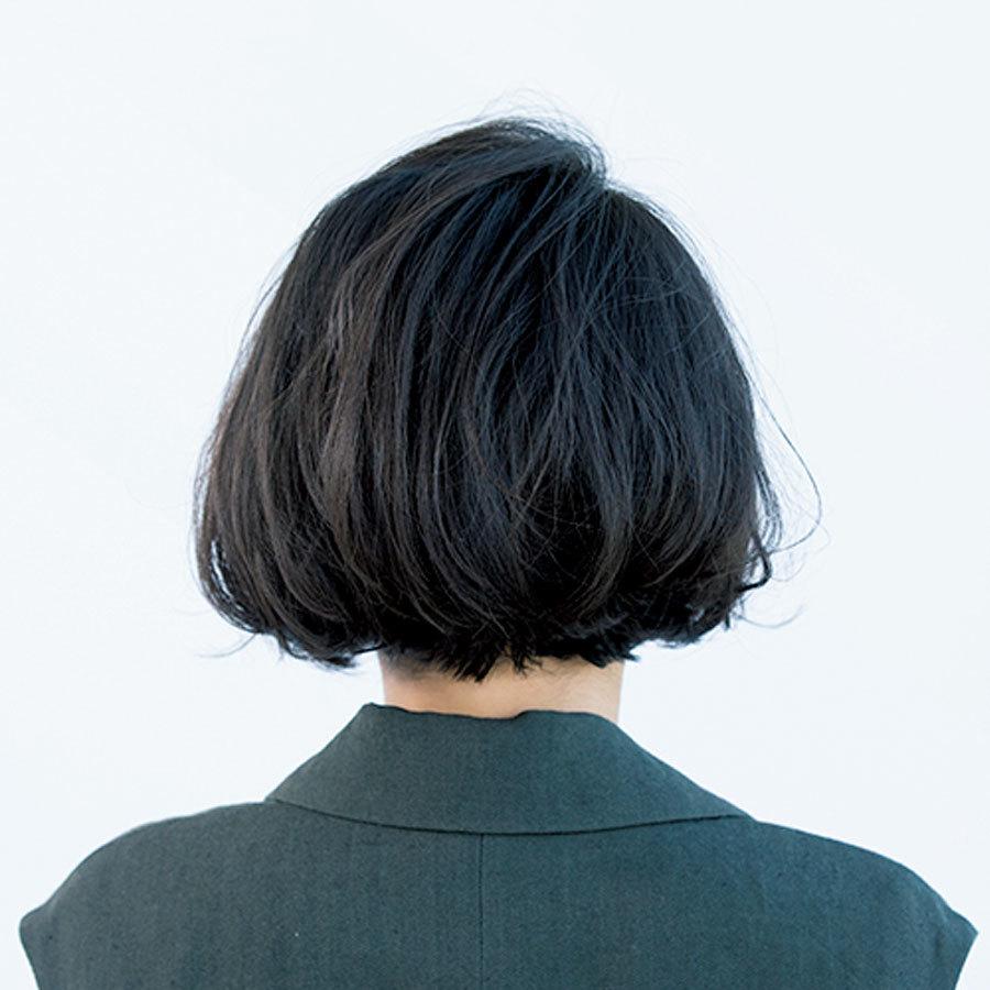 切りっぱなしな毛先はトレンド感がありつつフェミニンなボブヘア【40代のボブヘア】_1_1-3