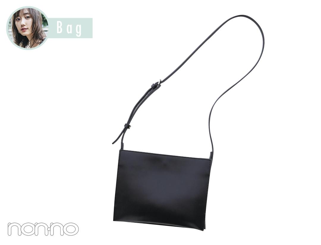鈴木友菜がヘビロテYAHKIのバッグとバッグの中身を大公開!_1_1