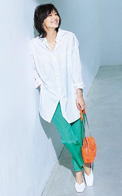 <最旬スタイル3>主役級パンツ×白シャツでつくるシンプルスタイル【春のミニマム・ワードローブ】_1_1