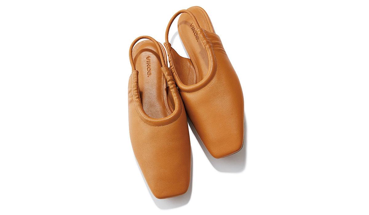 VINCE.のバックストラップフラット靴
