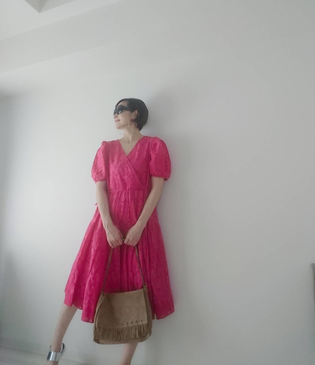 【H&M】鮮やかピンクで40代くすみ顔と気分を明るく!_1_4
