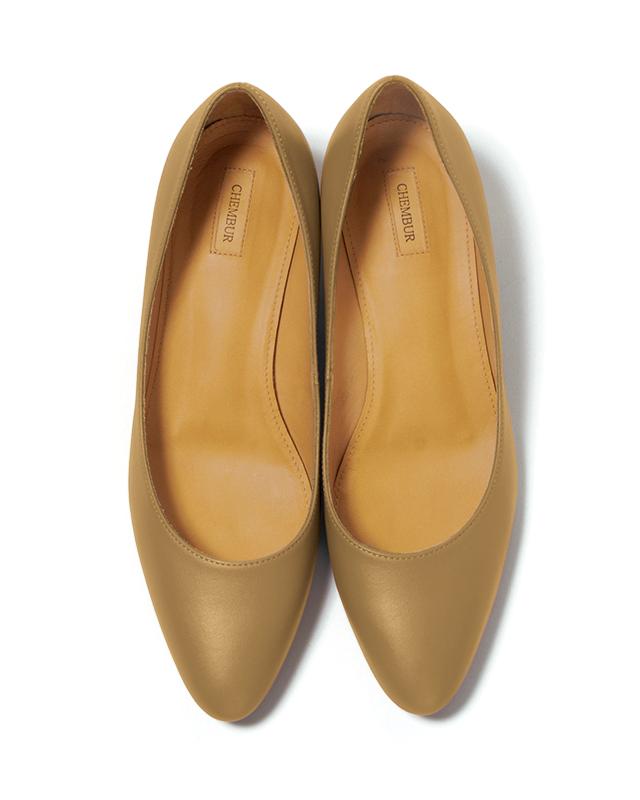 「足もとに色」が今年のトレンド! 春のおしゃれはきれい色の靴から_1_1-3