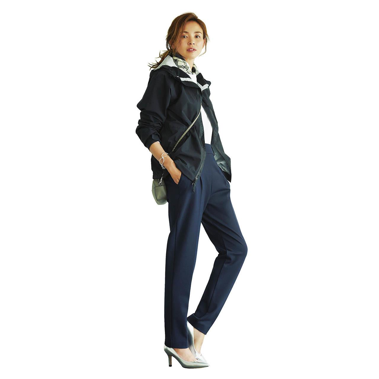 ジャケット×ストレッチ入りシガレットパンツのファッションコーデ