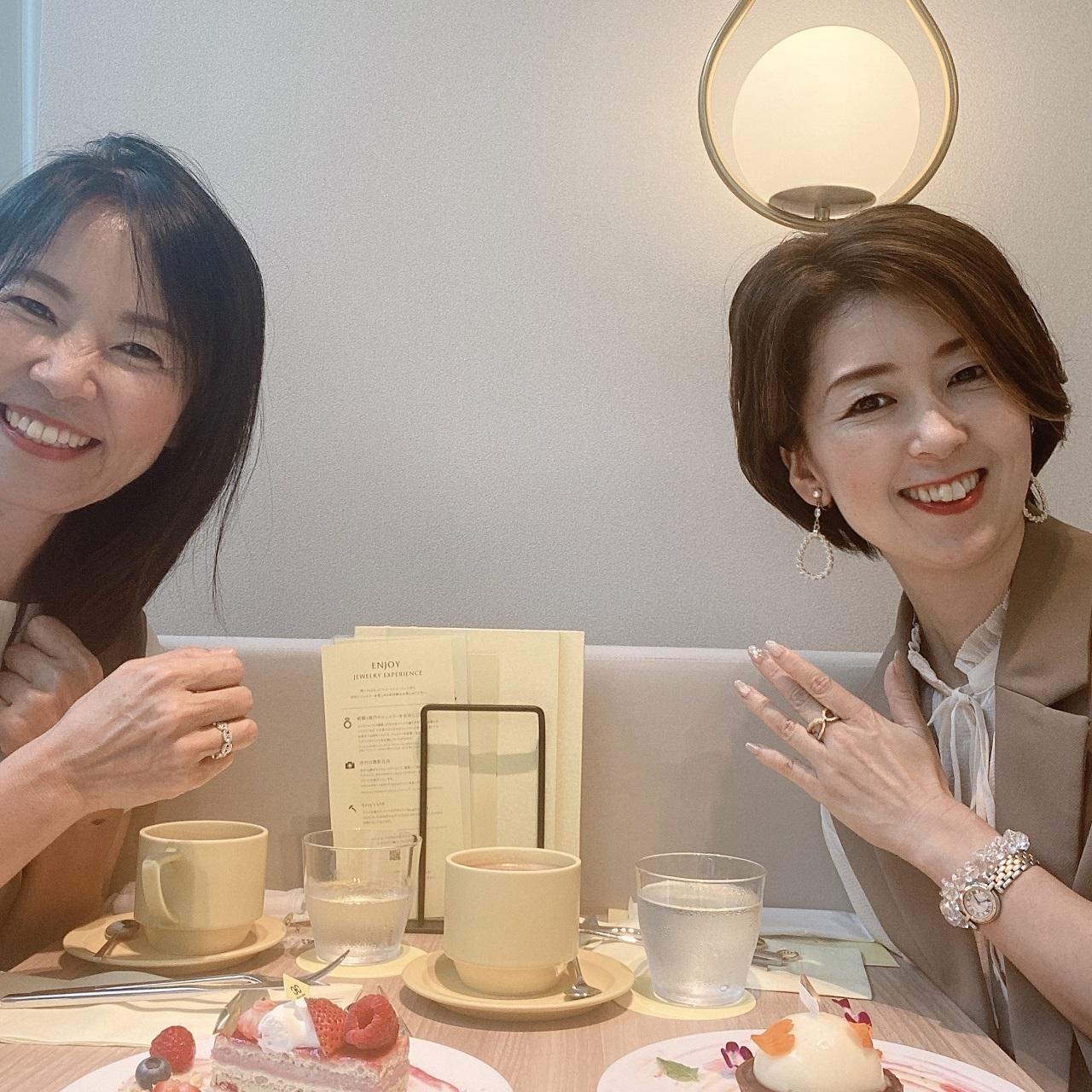デザートとともにジュエリーを楽しめるカフェへ_1_6