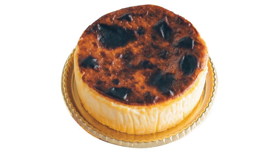 バスクチーズケーキ、初めて食べました!【新川優愛のスイーツ連載】_1_2