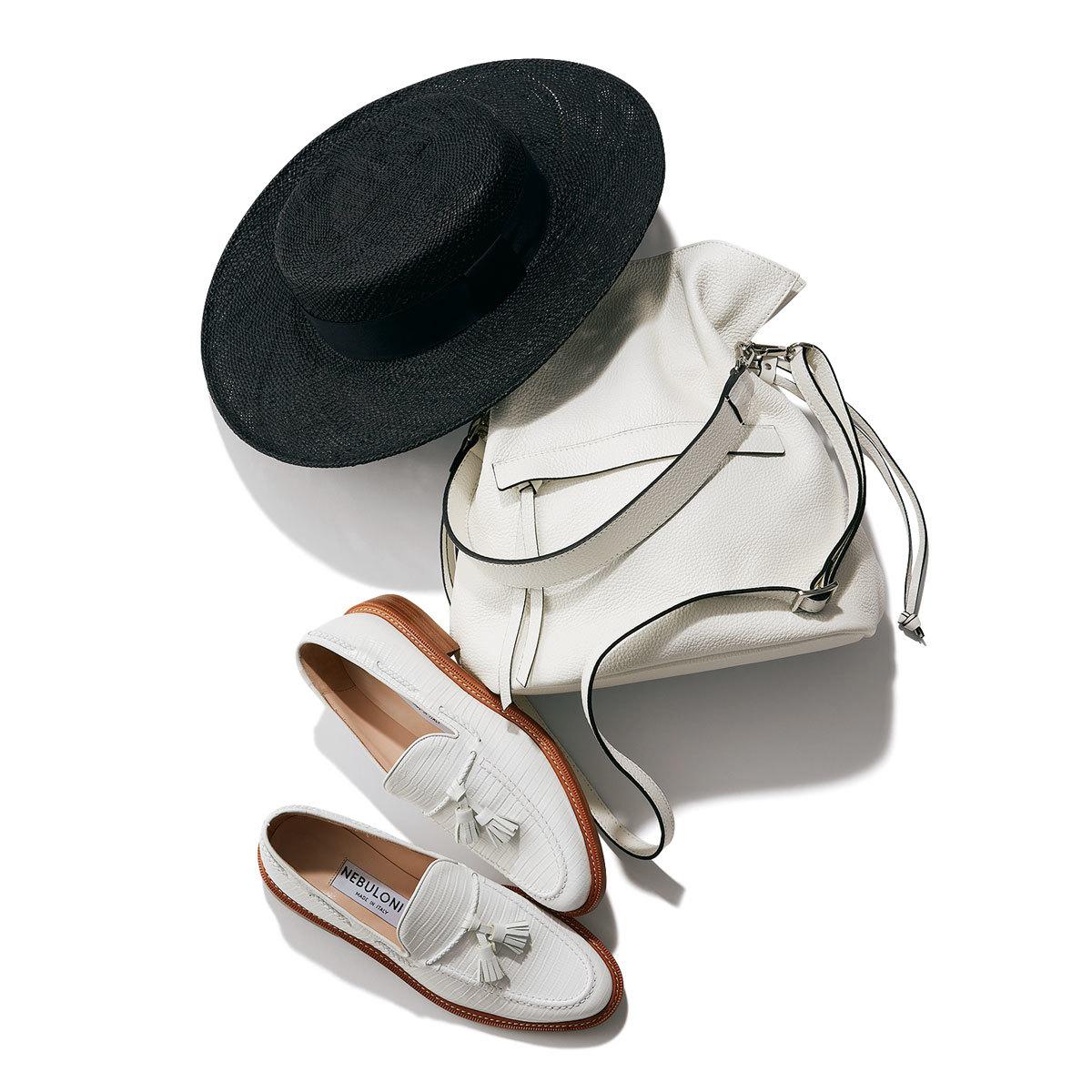 帽子¥20,900/タア トウキョウ(タア) バッグ¥35,200/ANAYI 靴¥68,200/フラッパーズ(ネブローニ)