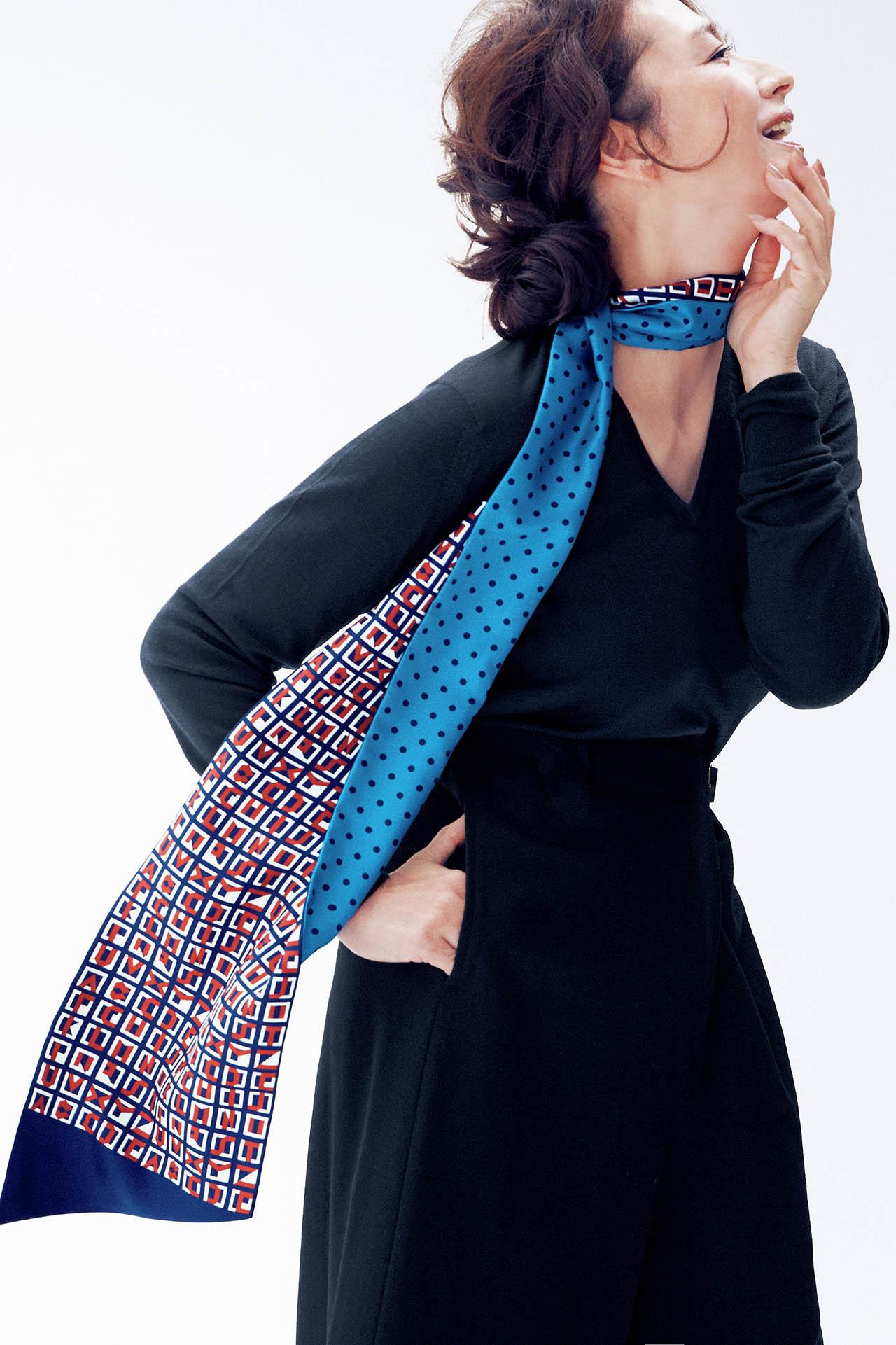 亜希、エルメスのスカーフをまとう 五選_1_1-3