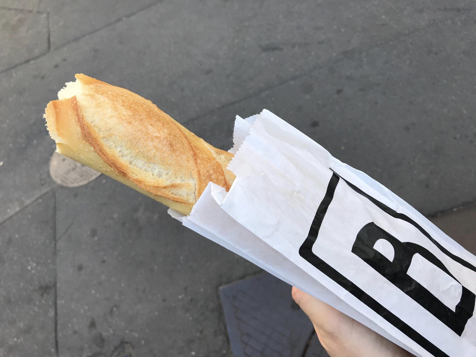 パリで今1番おいしいバゲットはこのお店_1_4