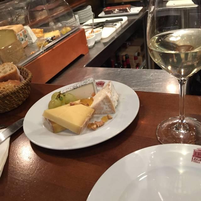 11月11日はチーズの日!チーズは太るは間違いです!!_1_2-1