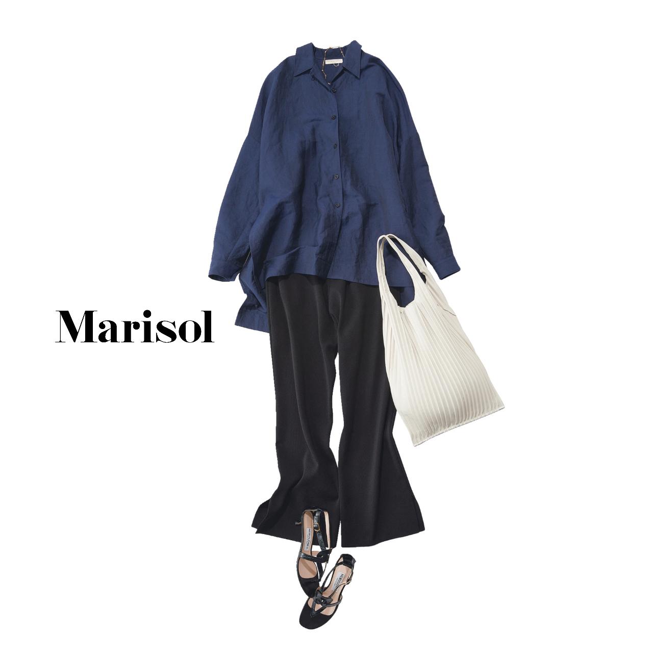 40代ファッション  ネイビーシャツ×黒ワイドパンツコーデ