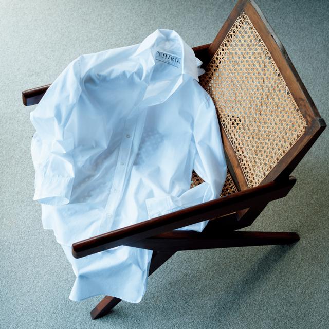 秋冬にやっぱり欠かせない必需品 白シャツ