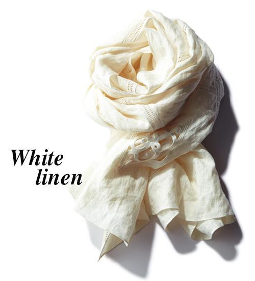 ほどよく効くのにさらりとなじむ「白の大判リネン」を、夏のコーデに取り入れて_1_1