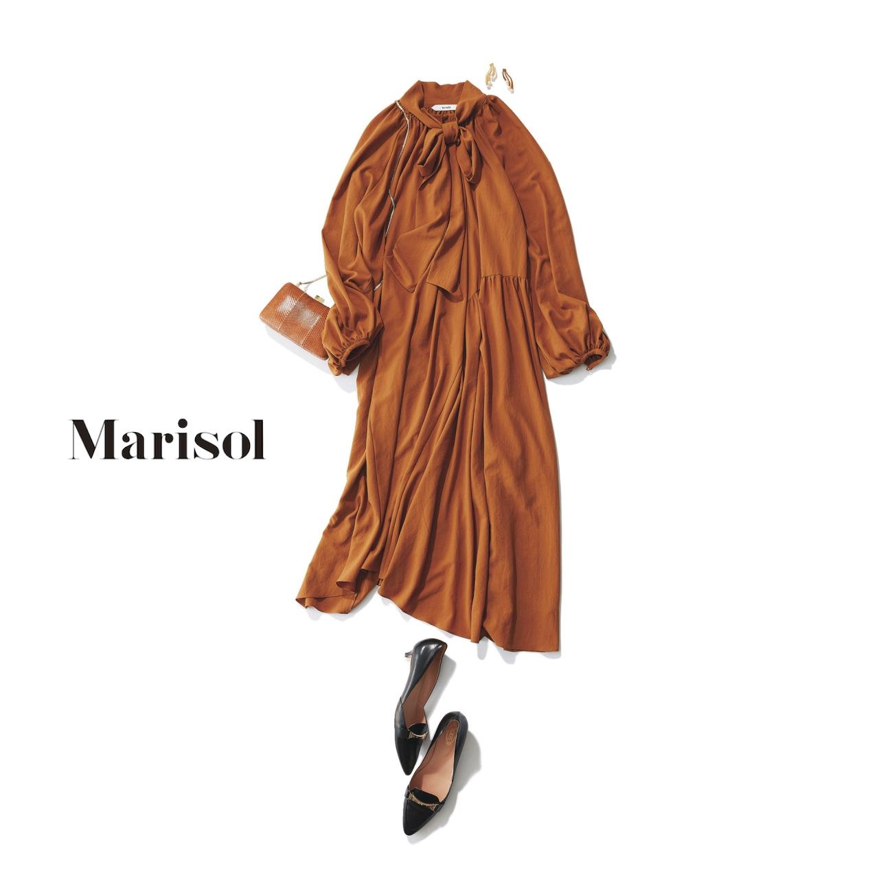 40代ファッション ボウタイドレス×キャメルパンプスコーデ