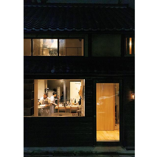 京都の東山にあるレストラン「ルーラ」のエントランス