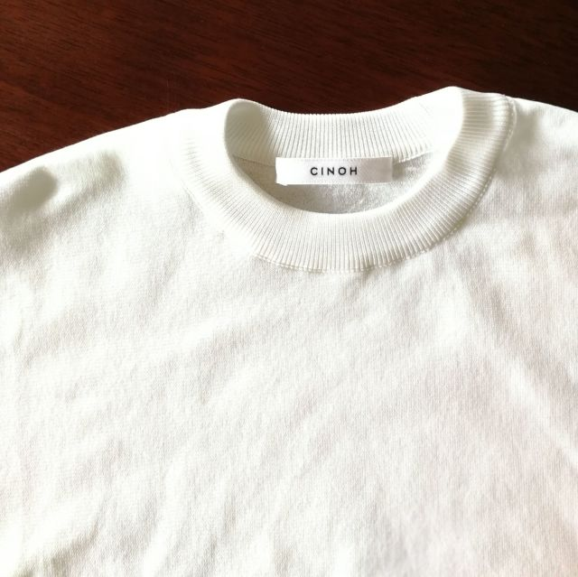 Tシャツ以上!オフィス対応もできる白トップスは活躍間違いなし!_1_3-5