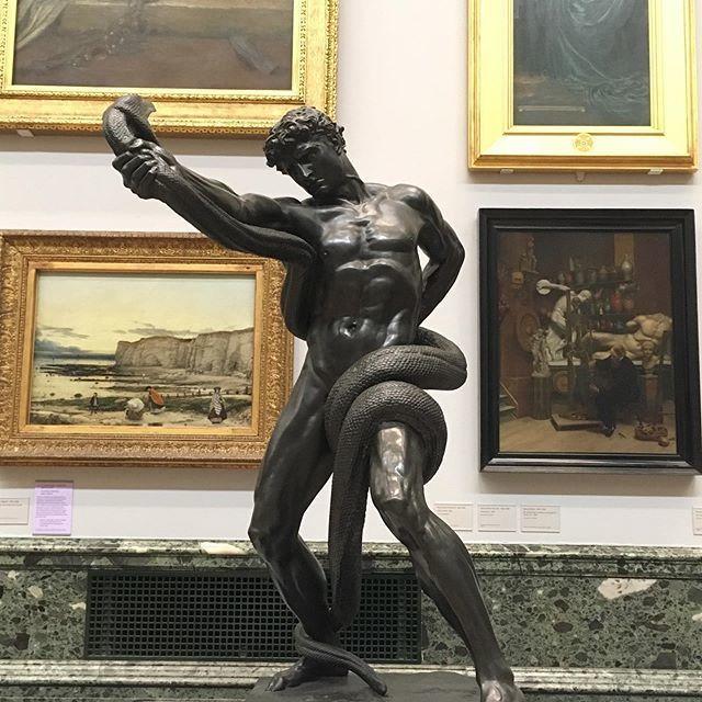 ロンドンの美術館の、戦える人物。_1_1-1