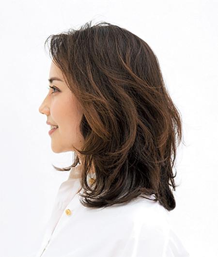 究極にラフなスタイル。ドライな質感が新しいミディアムヘア【40代のミディアムヘア】_1_2