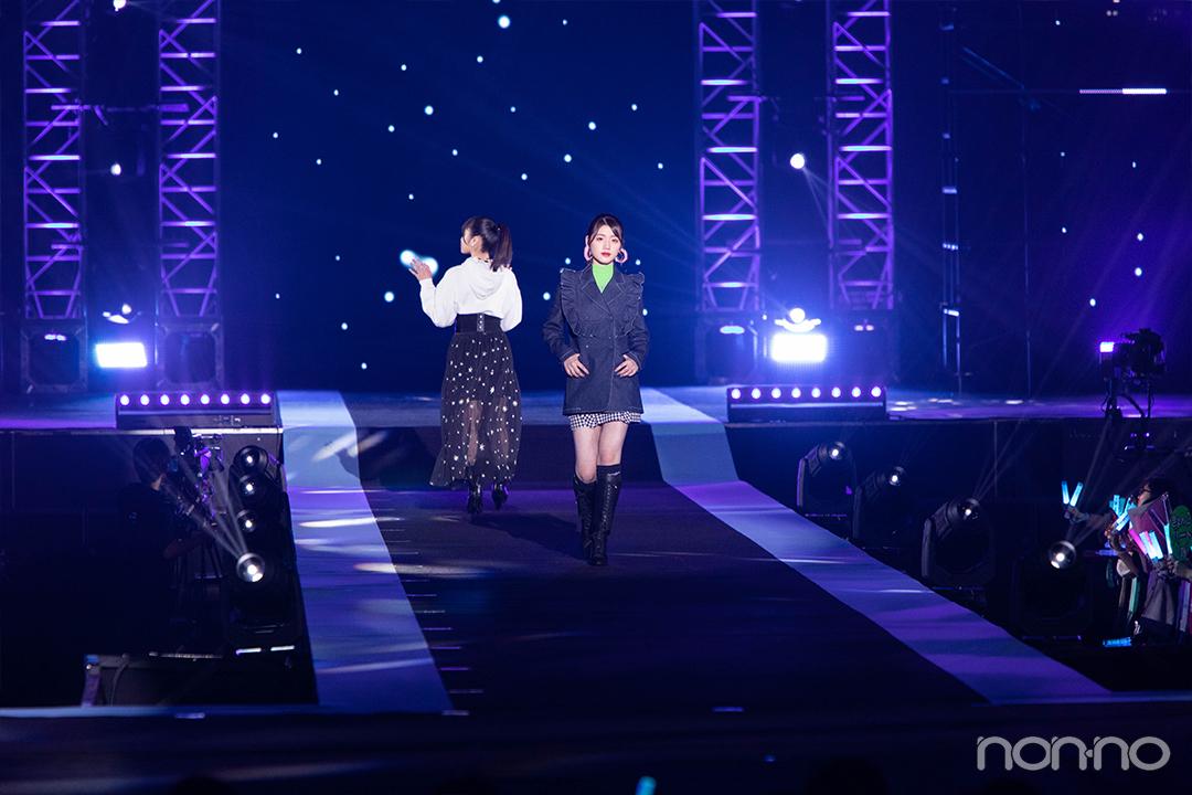 佐々木美玲(日向坂46)「日向坂46×DASADA LIVE&FASHION SHOW」ステージ