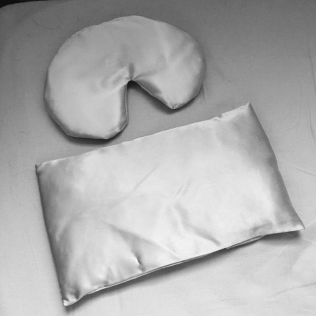 脳を鎮静させる小さな枕が本当にすごい!