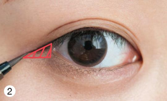 優しく見せたい、つり目の二重さんの場合★タイプ別「デカ目」になる方法④_1_3-2