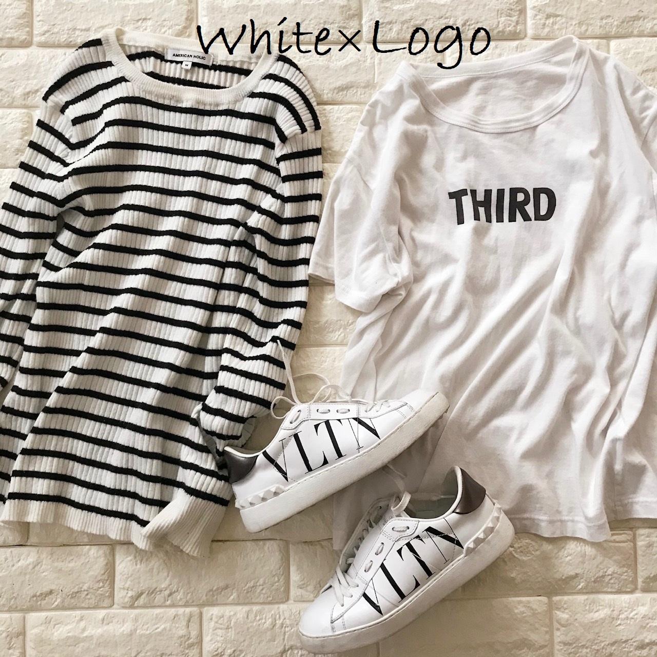 白に黒ロゴのアイテム画像
