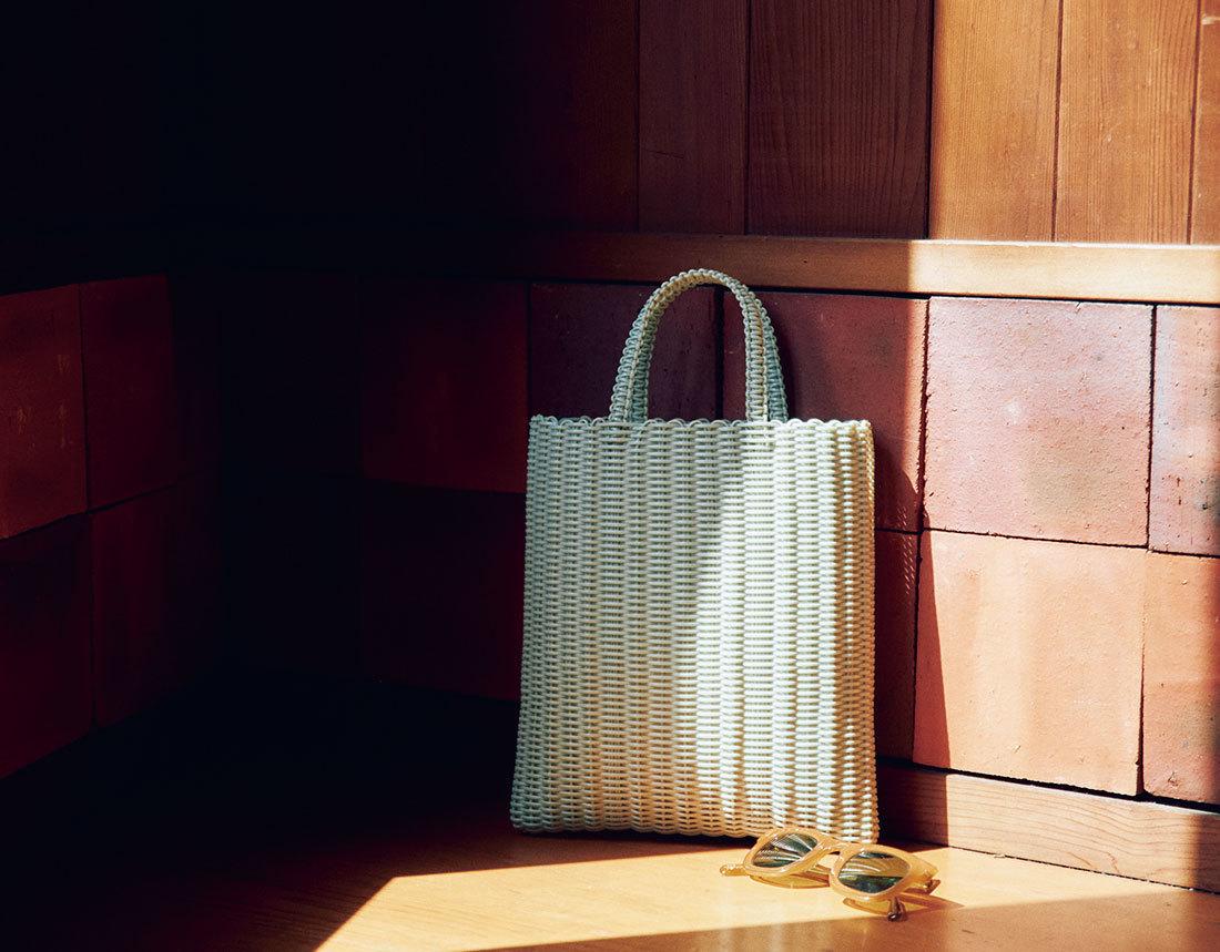 【40代におすすめの夏バッグ】コーデにメリハリを出す2021夏のトレンドバッグとは?|アラフォーファッション_1_3